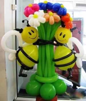 """Фирура """"Две пчелки с цветам"""""""